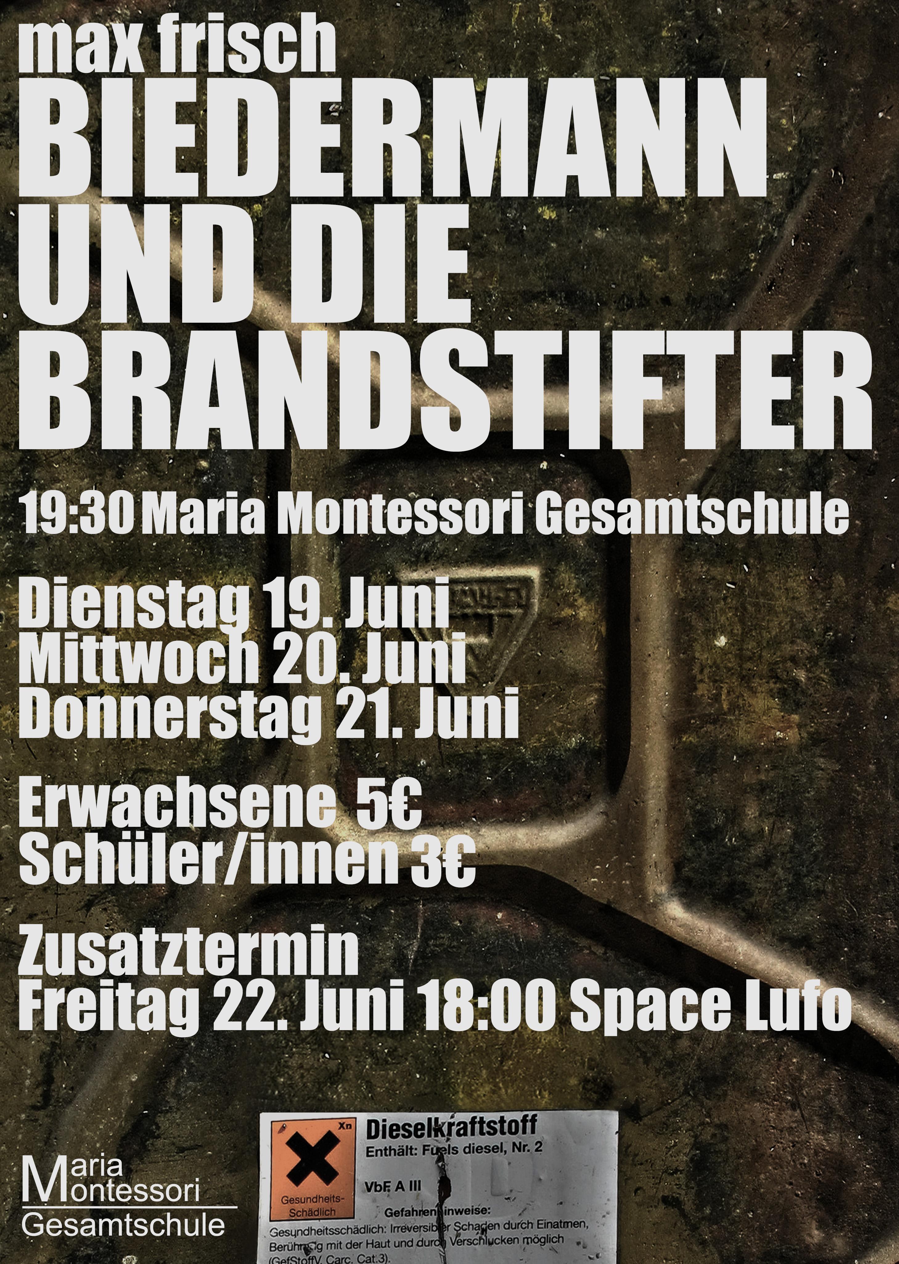 Das 10er-Theaterprojekt der Maria-Montessori-Gesamtschule Aachen führt auf