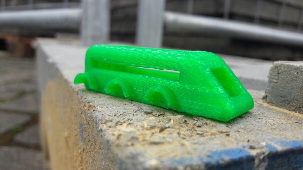 Elektroautos aus dem 3D Drucker und der FabBus